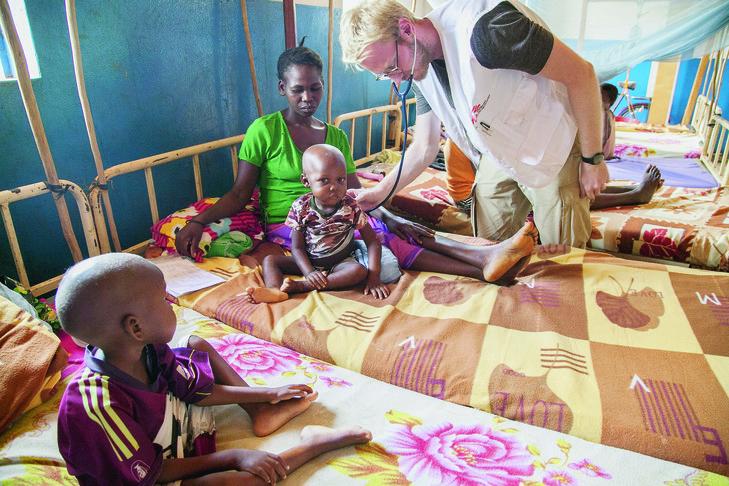 L'hôpital de Bambari, principale ville au centre-est du pays, continue de fonctionner mais reste insuffisant pour traiter l'ensembledes blessés et des malades. L'essentiel des soins est assuré par les équipes de Médecins sans frontières.