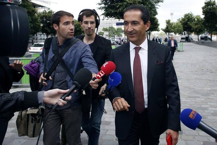 Patrick Drahi en juin 2015 à Paris. Le patron d'Altice, maison-mère de SFR, juge que l'opérateur est en«sureffectif».