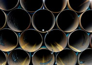 1,900 kilometers long, including 1,450 in the United States, Keystone XL is aiming to transpor ...