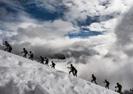 At the Pierra Menta, races are organized in the mountains.