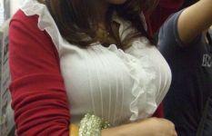 【爆乳のみ】リアル乳袋な、着衣爆乳おっぱいの街撮りエロ画像