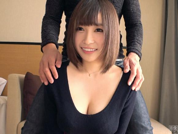 【神乳】タレント活動をしてる恥じらい巨乳美少女と痴態エッチ1
