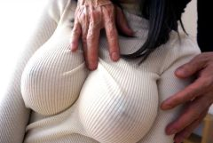 ニットやセーター着てる巨乳の女にムラムラする季節が終わってしまったw