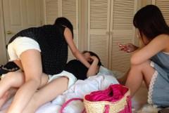 夏合宿での女子が太もも剥き出しで開放的過ぎるw