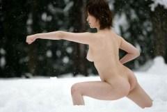 東京五輪で採用希望w全裸でスポーツしているアスリートまんさん