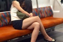 電車やバスでスマホ見てるフリして女の子を隠し撮ったと思われる画像Vol.2