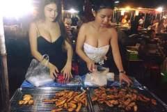 台湾夜市にはエロもあるw屋台でおっぱいサービスしてくれる店員さんたち
