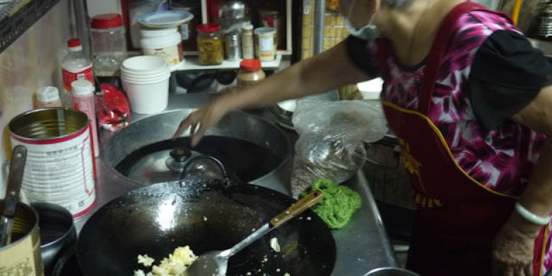 逢甲夜市阿婆炒飯│家家有本難念的經,充滿溫馨的阿婆炒飯