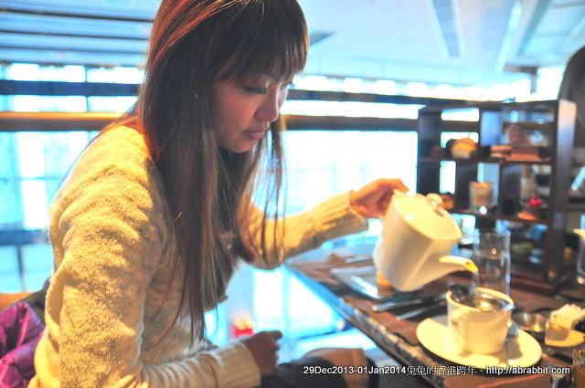 【兔兔專欄】201314香港跨年。Chocolate Library Café 103 香港浪漫海景下午茶