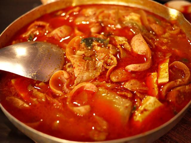 【逢甲夜市】朴大哥的韓式炸雞。韓國部隊鍋