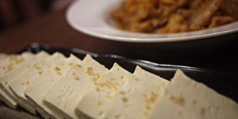 【朴大哥韓式炸雞】不出國也能吃到道地的韓國泡菜炒豬肉與熱騰騰的豆腐