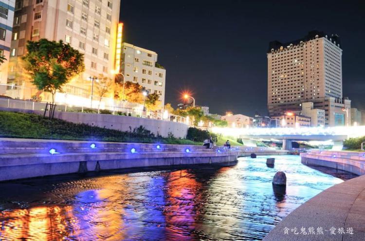 【旅遊】台中旅遊/柳川水岸-越夜越美豔動人~旅人們一起來散步去唄