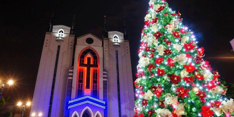【旅遊】 高雄旅遊/鳳山基督長老教會-2017年聖誕節點燈嚕