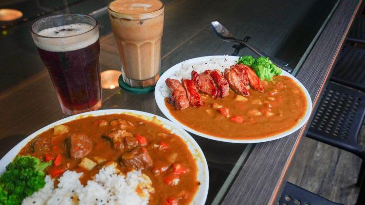 高雄美食 新興區/宮上韻空間簡餐宮前咖啡-好吃的肉肉咖哩飯