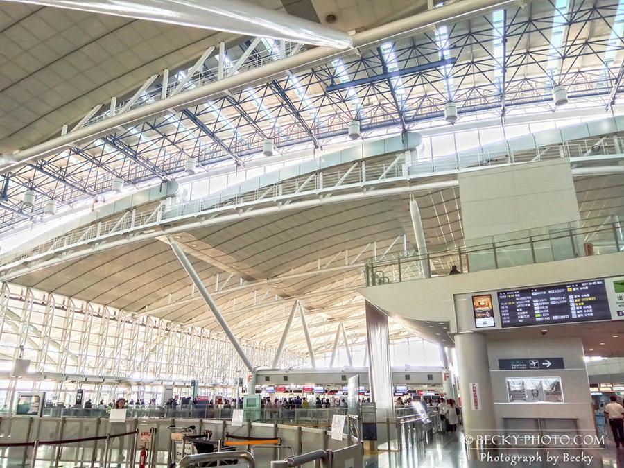 【日本】。九州福岡機場免稅店、福岡機場地下鐵交通巴士