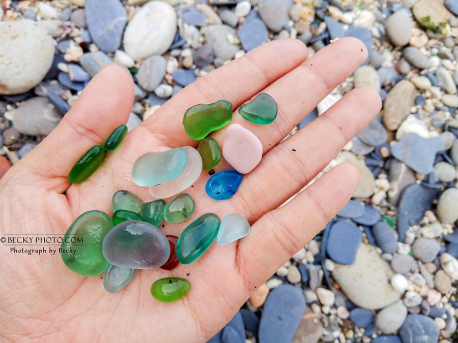 【宜蘭】。爬下去才能看到的彩色玻璃沙灘!危險的玻璃海~