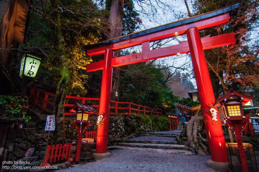 【日本】。京都楓旅行│夜晚的貴船神社