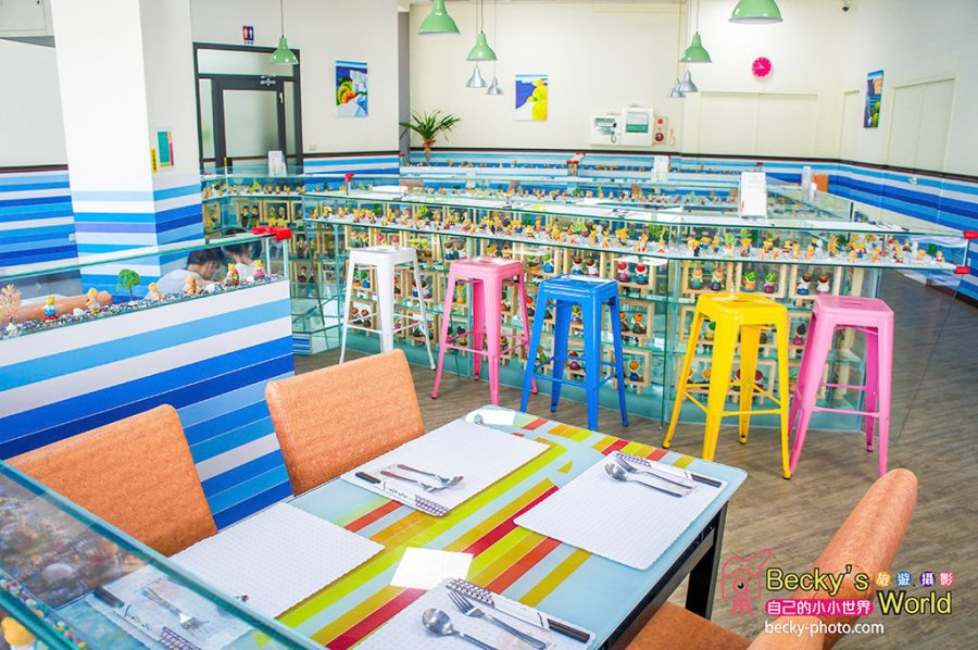 【豐原】。近豐原火車站美食~有小熊公仔當桌子的親子餐廳『海豚18簡餐茶坊』