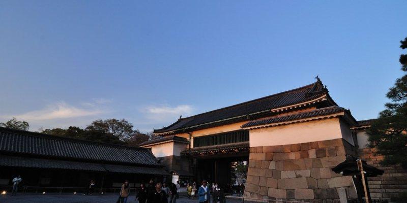 【京都】。世界遺產~二条城夜櫻