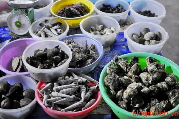 ẩm thực vỉa hè ở Hạ Long