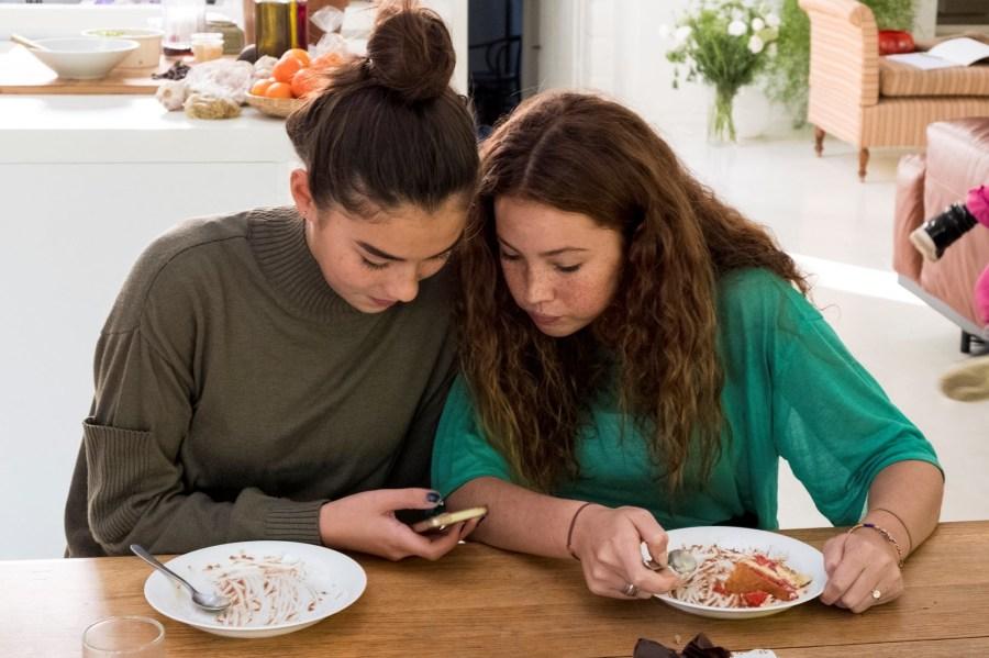 adolescentes en redes sociales