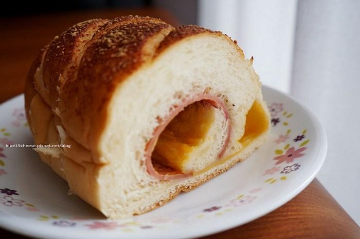 【台中西屯】日光角落 fans corner - 喜歡的麵包先預約喔.免得吃不到.何嘉仁ESL小學隔壁