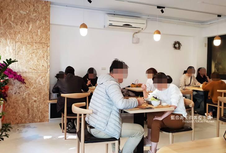 20191227200202 41 - 高圓日式食堂│日式簡約隱藏巷弄咖哩美食,下午還有甜點跟咖啡可以點,老闆是型男