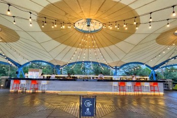 屏東東港大鵬灣 豐BAR 海景咖啡館,青洲濱海遊憩區新亮點,眺望小琉球、看夕陽好去處