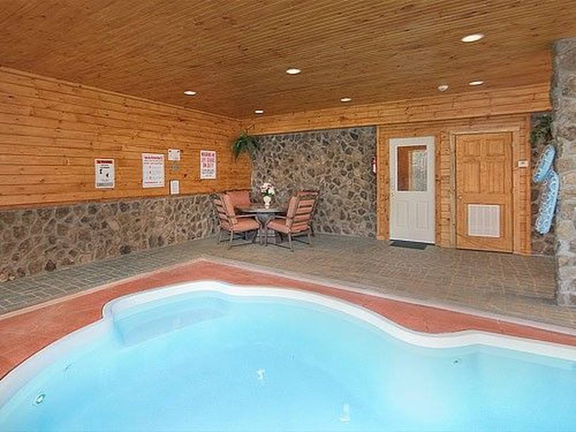 Taken at Majestic Springs Lodge in Grassy Branch TN