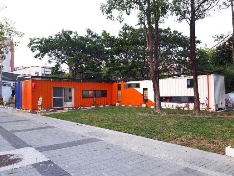 【台南 北區】Orange Life。用貨櫃屋打造假日市集│午後時光一起在草地上徜徉
