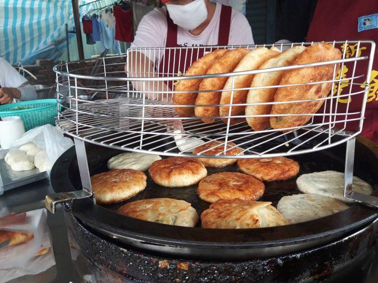 【台南 新化】新化燒餅。在地人的下午點心 一天只賣四個小時 外酥内軟,咬開滿口香!