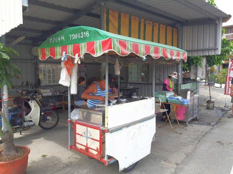 【台南 西港】後營無名豆花攤。記憶中懷念的味道│傳統手工綿密好滋味