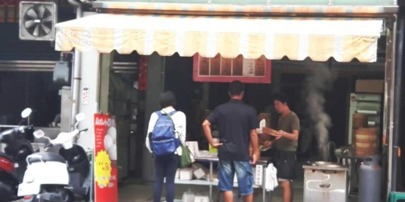 【台南 安南】美味小籠包。發現多汁味美手工現作小籠包 清晨六點開賣,晚來吃不到!