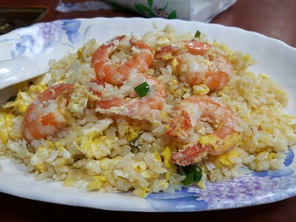 【台南 中西區】不餓門廣東粥。有時候不知到要吃什麼時就會想起它,人氣歷久不衰的好滋味