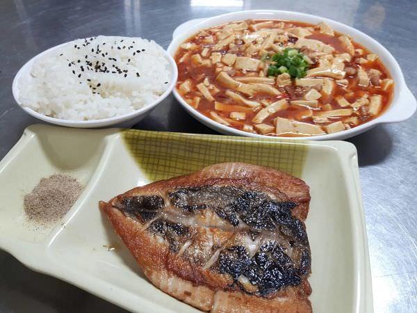 【台南 東區】尤家餐館。老饕才知的巷仔內美食,隱密巷弄的小餐館