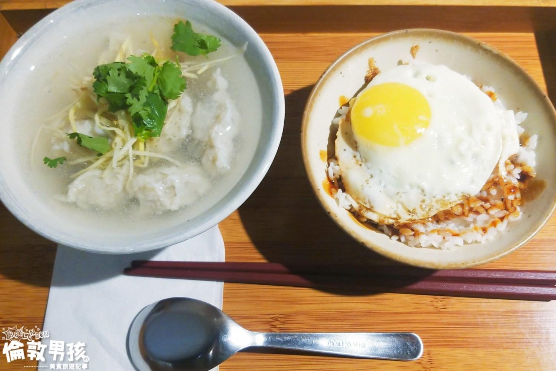 台南經典小吃,系出老店的「小ㄚ鳳」浮水魚羹、豬油拌飯!