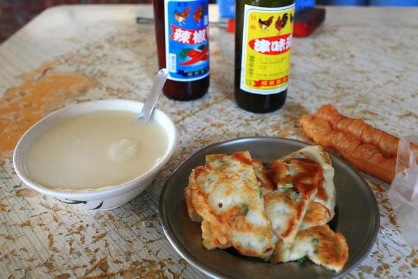 台南仁和路的排隊早餐店,「民生早點」的蛋餅、豆漿、蔥油餅令人難忘~