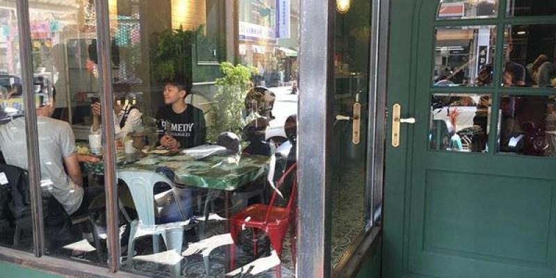 台南中西區「太古 Home」超好拍!咖啡、民宿的復古歐風空間~