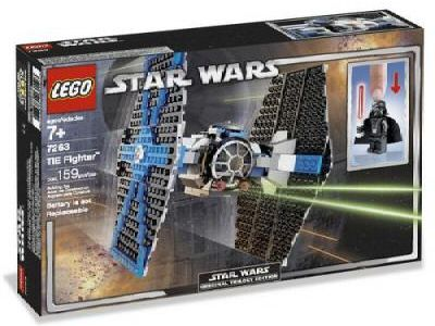 The box of set 7263, with the light up lightsaber