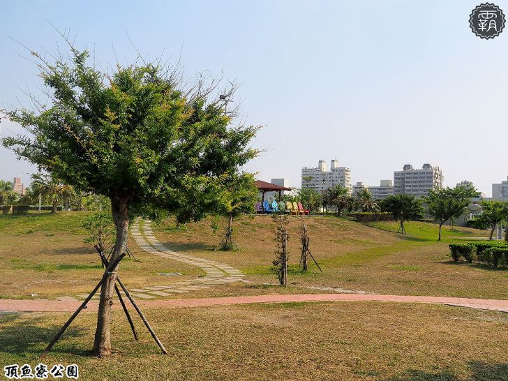 20180930174729 61 - 海線親子遊憩公園,有3D海洋彩繪圖、IG風彩虹椅、草地迷宮,占地寬廣設施齊全~