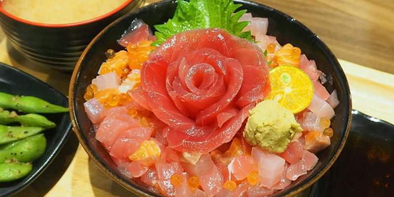 <台中丼飯> 花囍家日式料理,台中火車站巷弄日式丼飯結合美拍花牆,丼飯精緻美味!