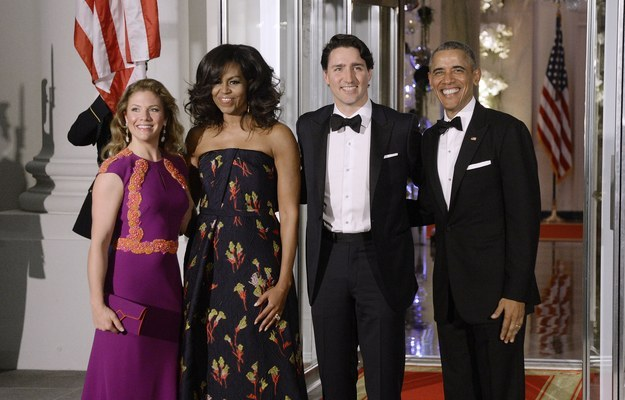 So while the two first couples were looking glam AF as usual...