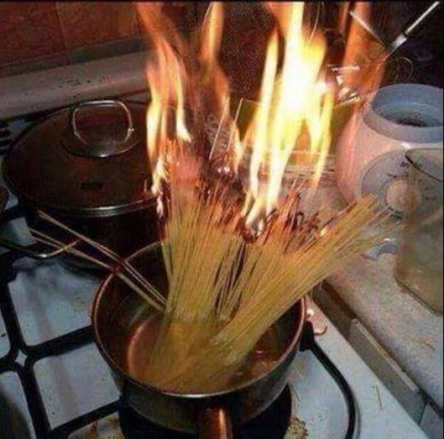 Cozinhar é um suplício, já que exige atenção contínua.