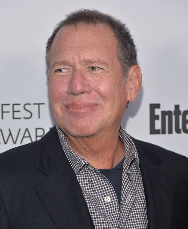 When news broke that comedian Garry Shandling died at 66 on Thursday in a Los Angeles hospital due to a medical emergency, many fellow comedians, actors, and media personalities paid their respects on Twitter.