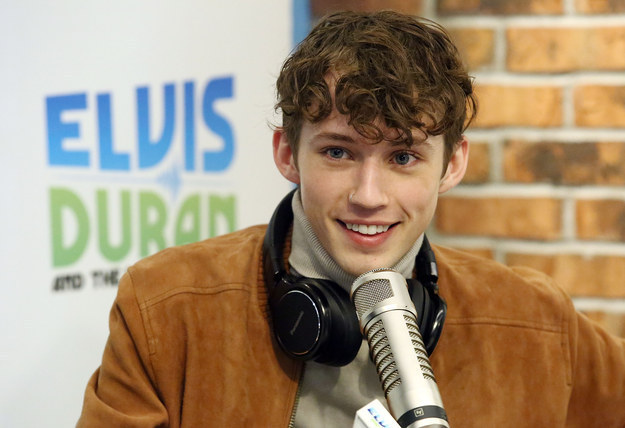 Troye Sivan is the truly amazing artist who is currently on tour for his new album Blue Neighbourhood.