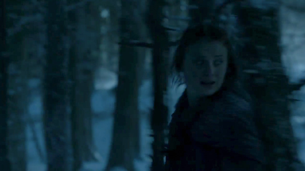 Unlike the earlier shot of Sansa, here she appears to be running for her life. Chances are this scene is from around the same time as the shot of Theon being caught by the Bolton guards.