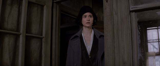 Katherine Waterston plays a witch named Porpentina Goldstein.