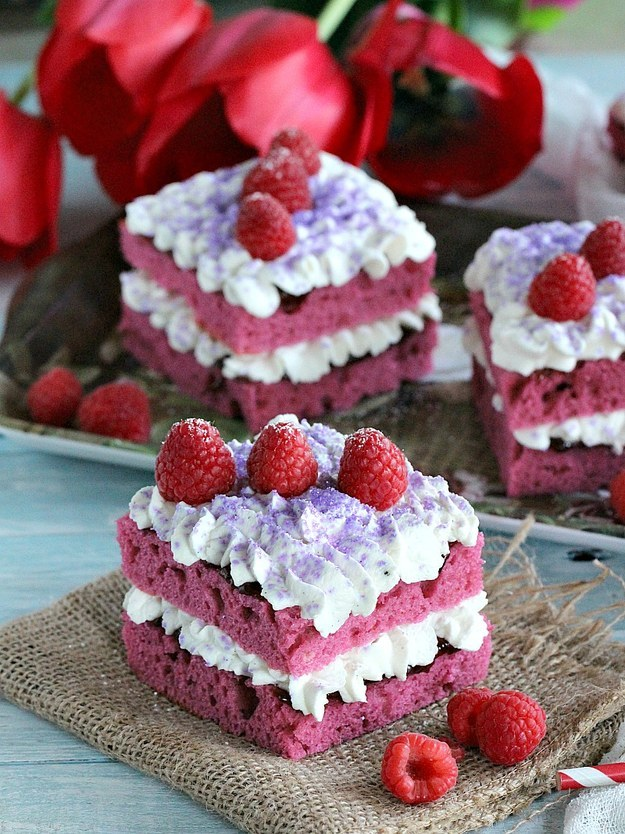 Individual Raspberry Jam Cakes
