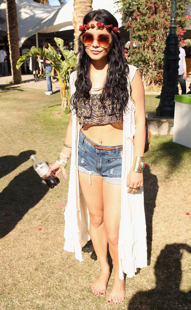 It's a commonly known fact that Vanessa Hudgens is no mere mortal burdened with an average life on this celestial plane — she is, in fact, THE QUEEN OF COACHELLA.