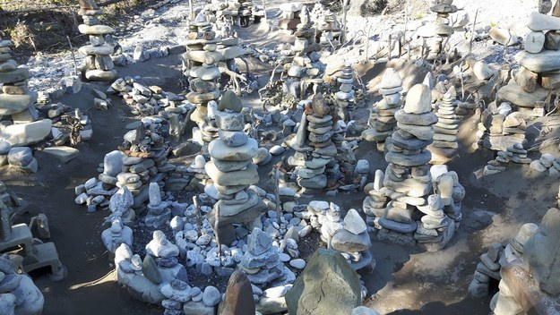 Artist Luke Materi has put hundreds of hours into building a miniature city out of rocks and driftwood in Bragg Creek, Alberta. A big fan of Game of Thrones, Materi named the project Winterfell after starting its construction last summer.